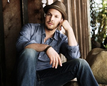 Default_gavin degraw